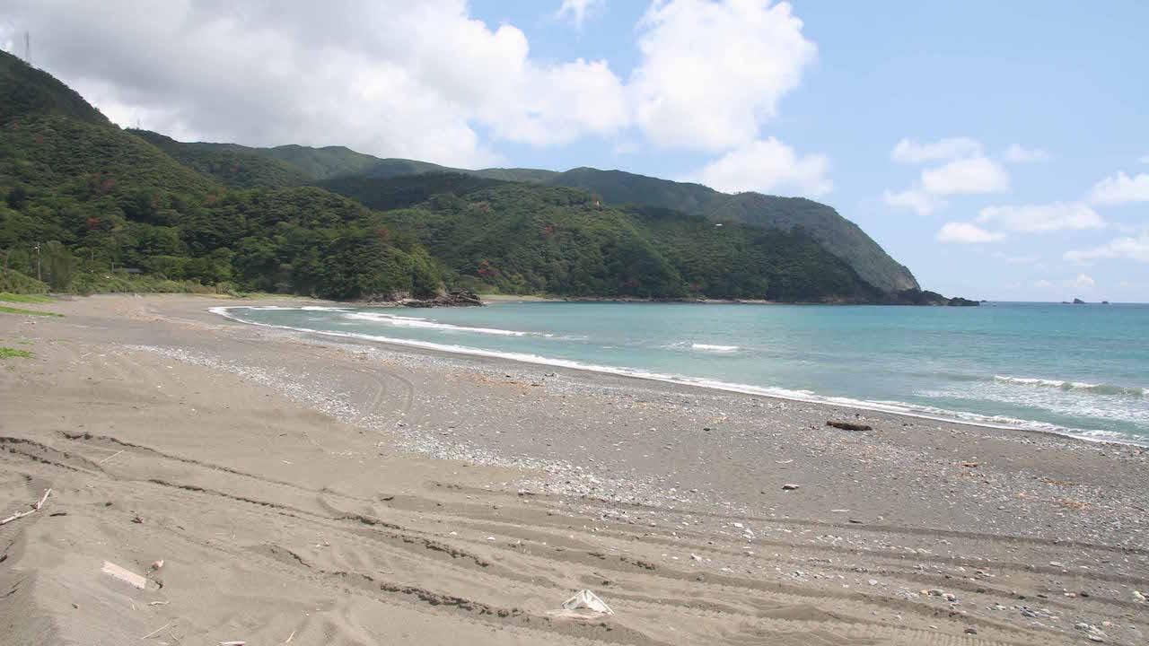 Gushuku Beach